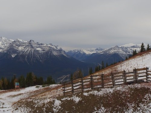 Lake Louise Panorama live cam