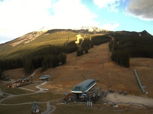 Lake Louise Ski Resort live cam